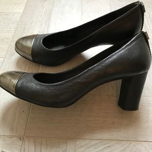 Tory Burch Leather Heels - Size 7